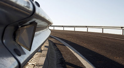 Missouri car accident result of dangerous highway guardrails?